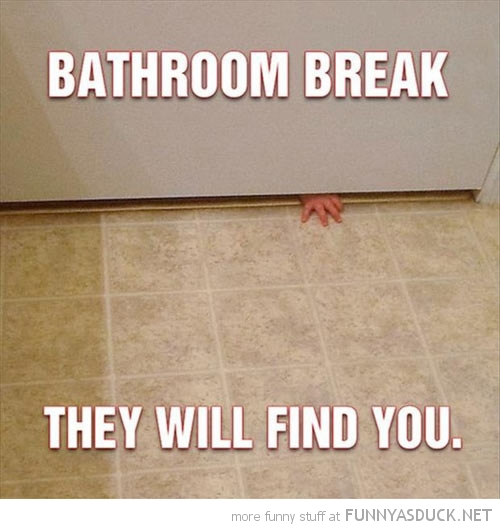 funny-bathroom-break-kid-baby-hand-door-find-you-pics1